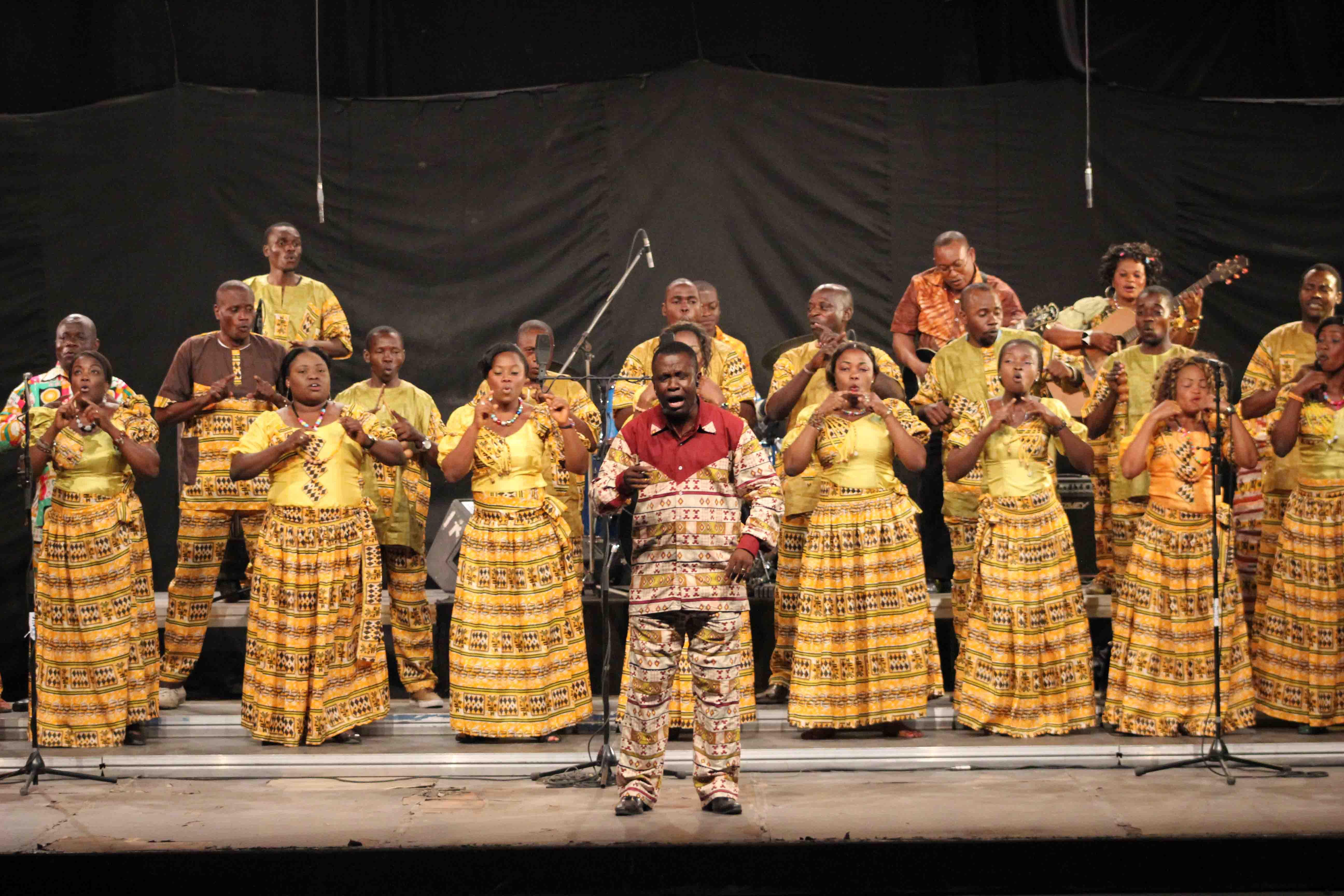 La Carte Tir De Ses Propres Compositions Cantiques Populaires Congolais Varits Europennes Et Africaines Notamment Ngiele
